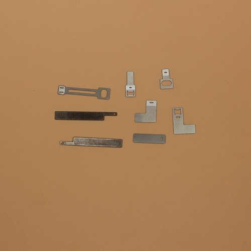 新能源精密激光切割机切割精密小镍片样品展示