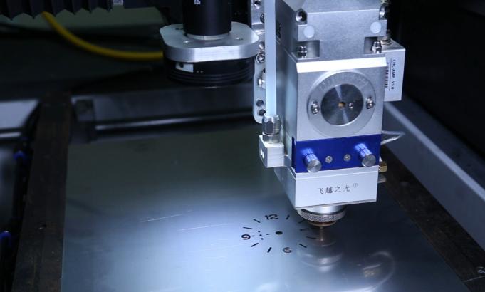 如何选择光纤激光切割机